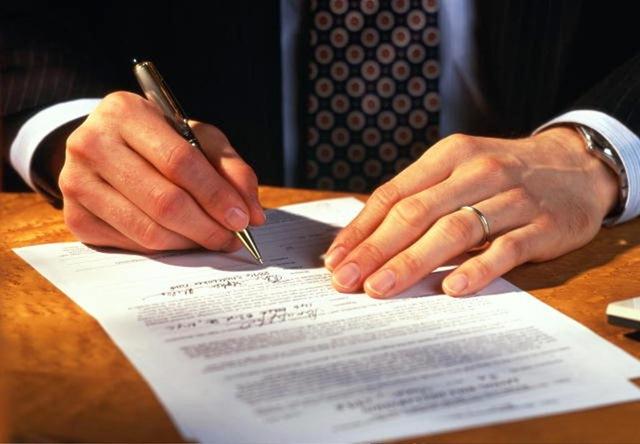 Физические лица смогут без нотариального удостоверения заключать между собой сделки в устной форме
