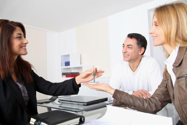 Как переоформить квартиру без присутствия собственника